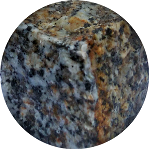 granit szaro-rudy
